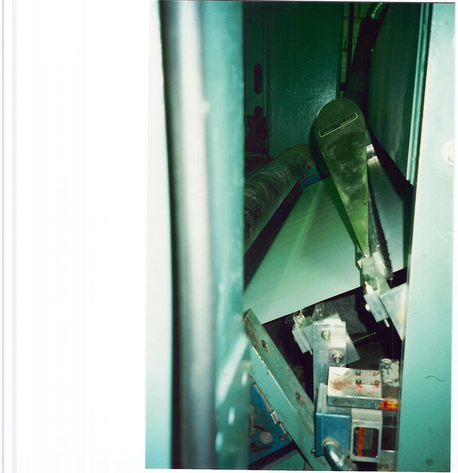 Papiermaschine vor Auftragswerk