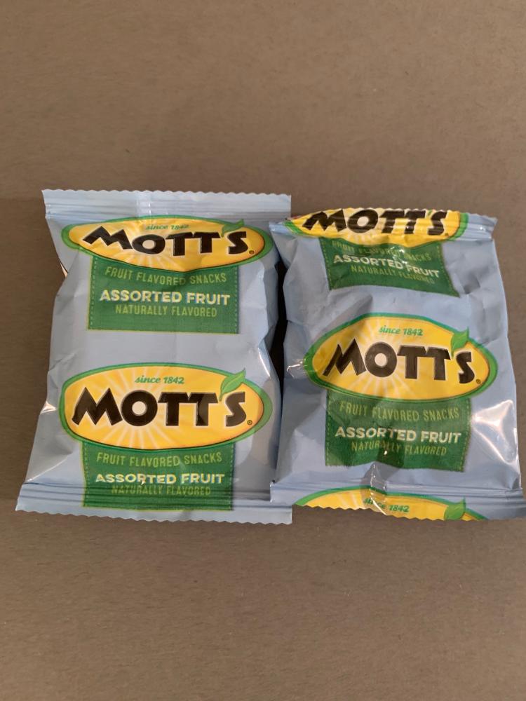 Motts fruit flavored snacks