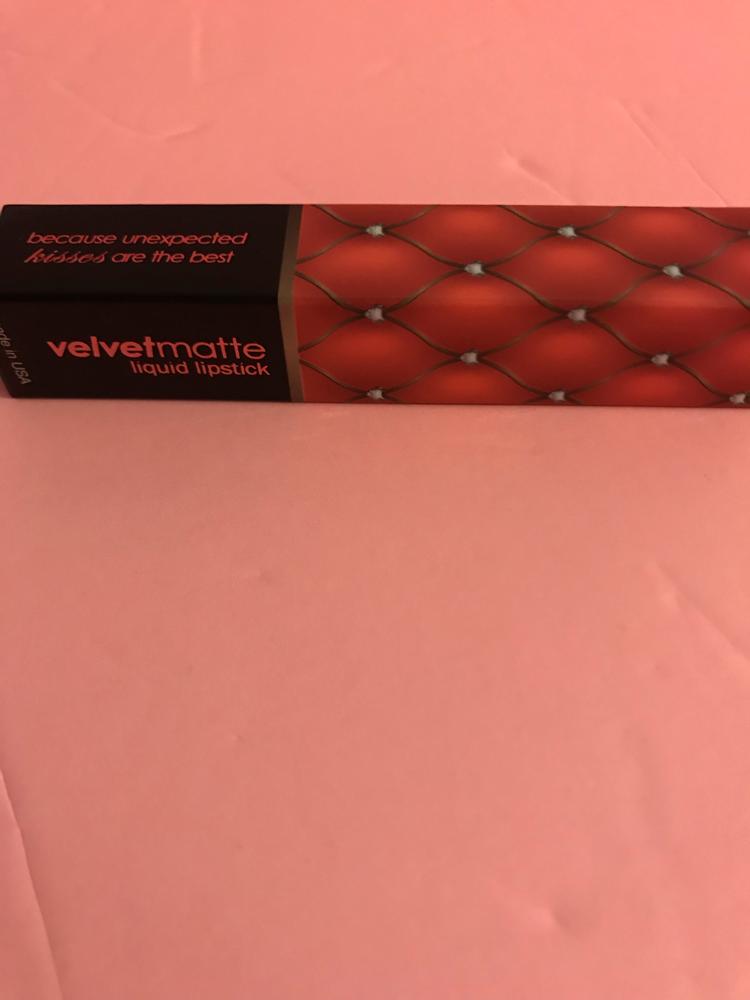 L A Splash velvetmatte Liquid Lipstick In macaroon