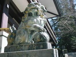 玉取りの狛犬   光輪閣前石段