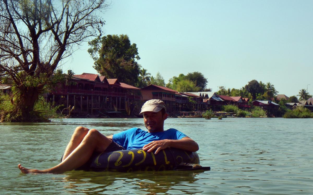 Tubing auf dem mächtigen Fluss