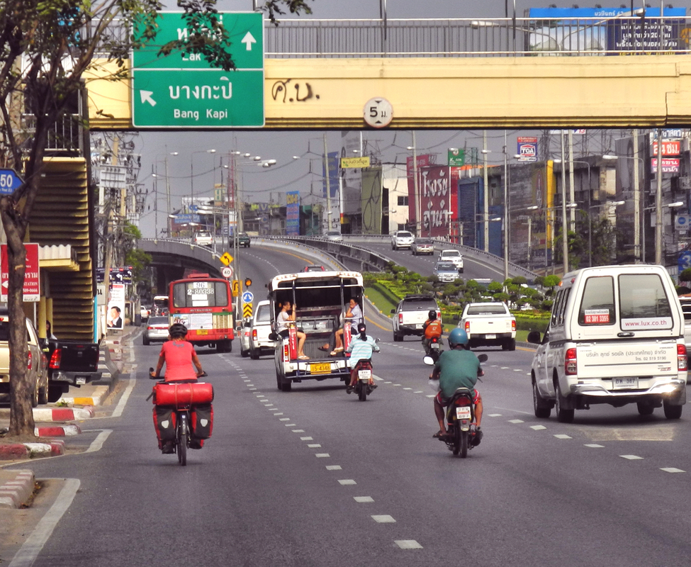 Ab Thailand Linksverkehr