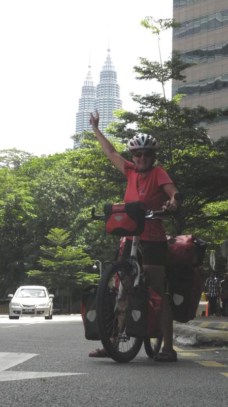 Nach genau 1 Jahr erreichen wir die Petronas Towers