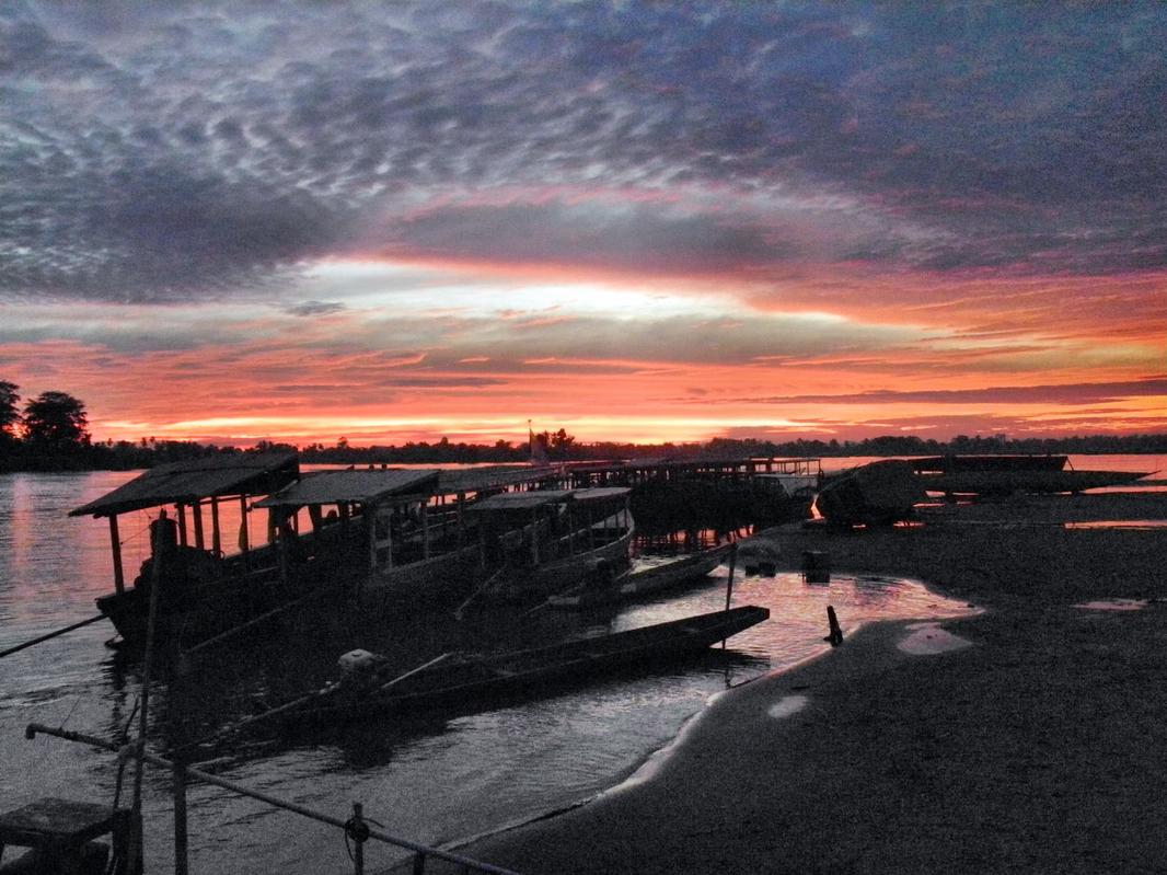 Abends am Fährhafen