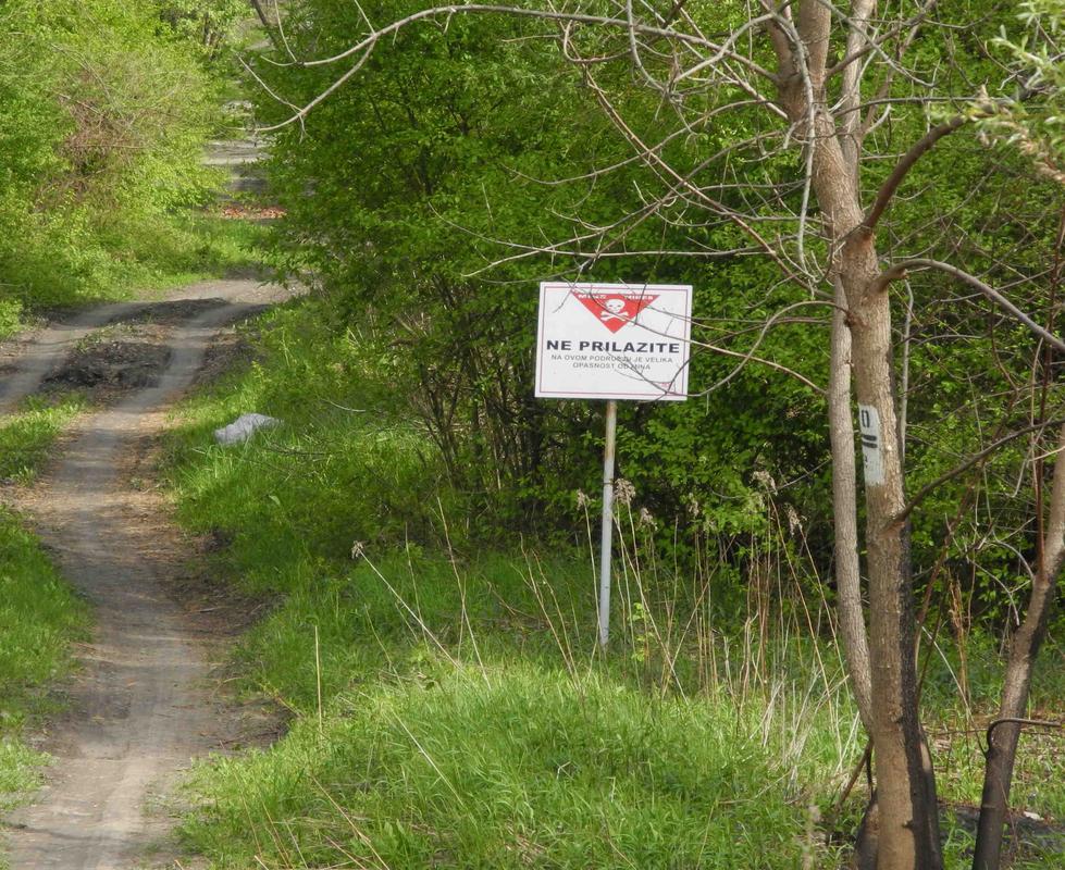 Überall machen Minenwarnschilder das Campen unmöglich