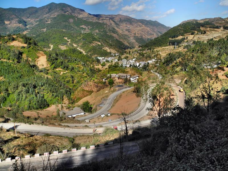 Hinein in die Berge von Osttibet