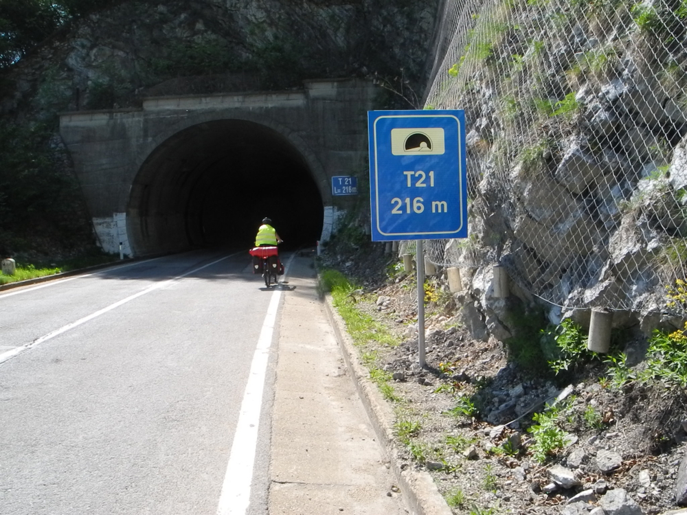 Der erste von 21 Tunneln