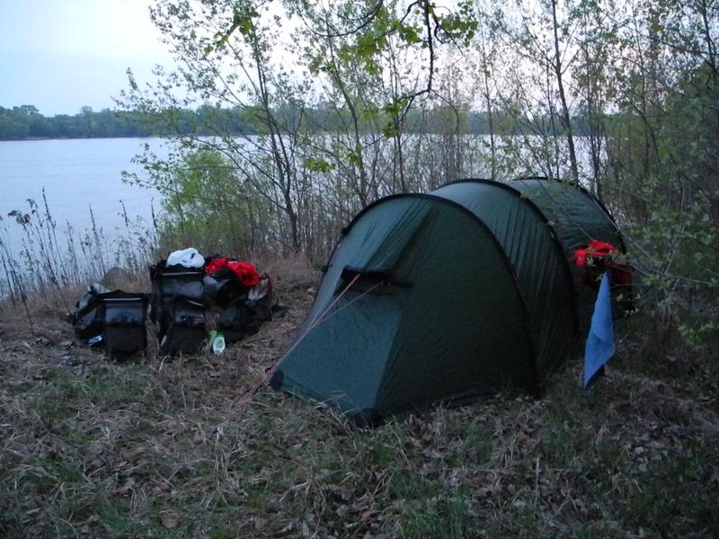 Wir hatten sehr viele Schlafplätze direkt an der Donau