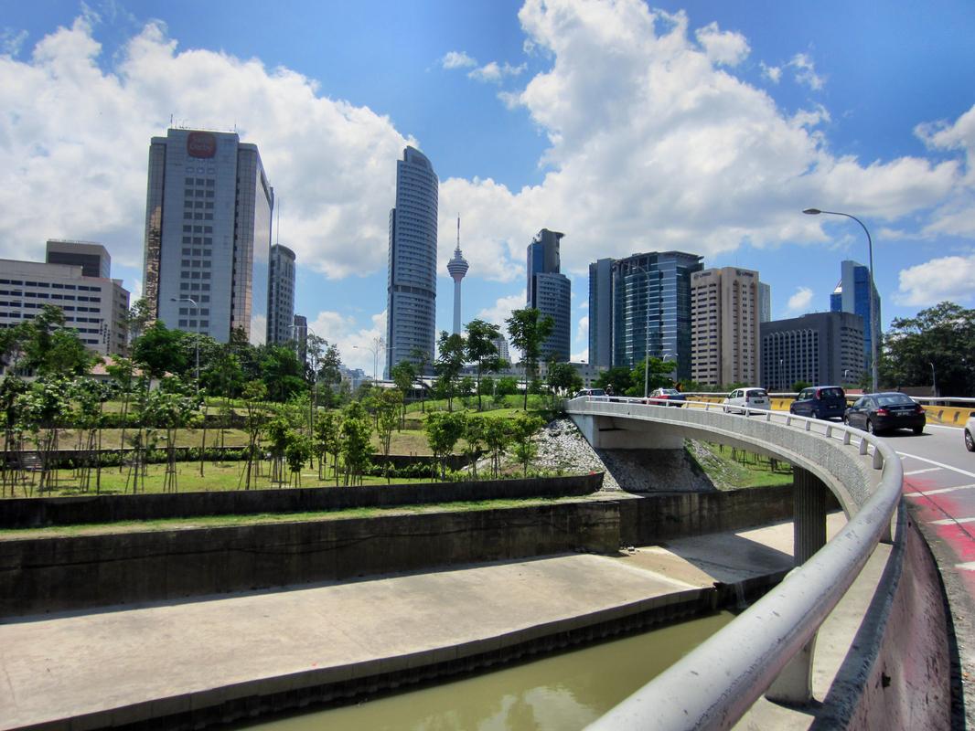 Hinein nach Kuala Lumpur