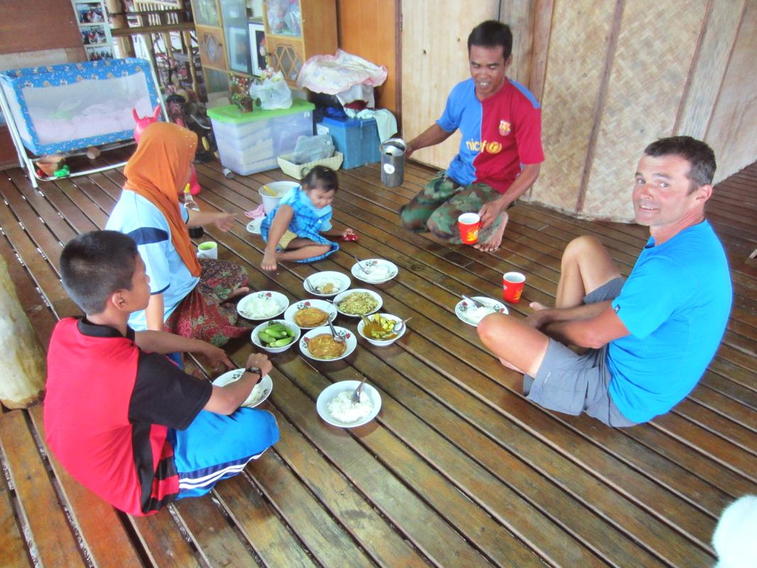 Bei freundlichen Thais zum Diner