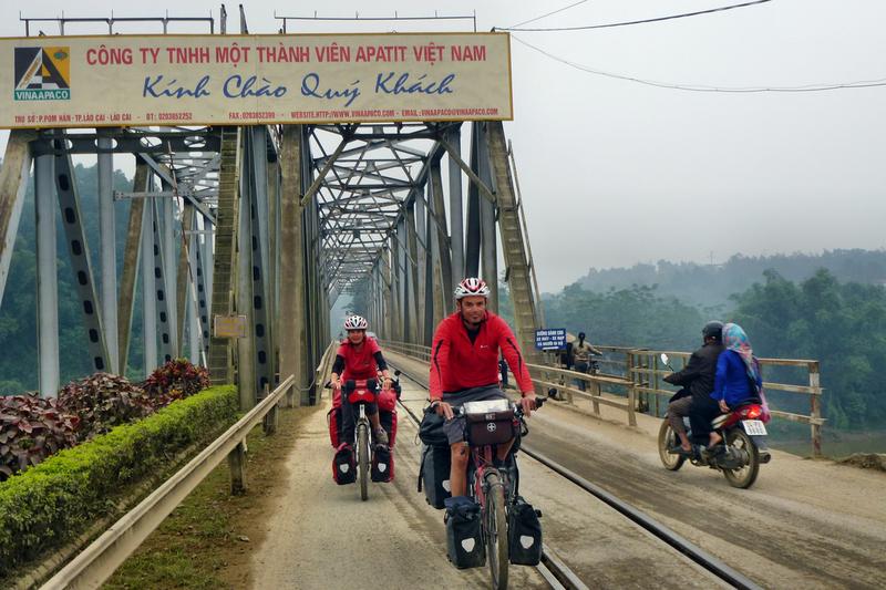 Die Grenzbrücke nach Vietnam