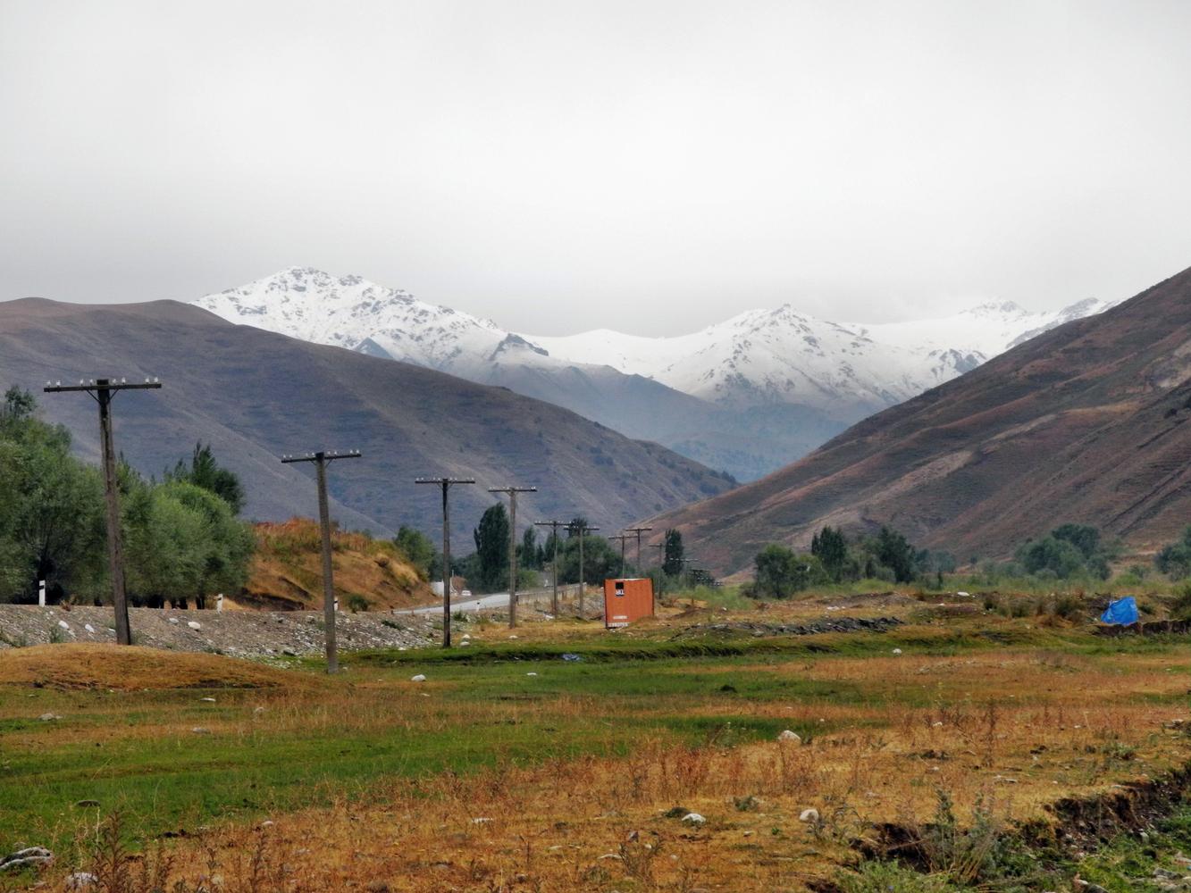 Auf den Bergen liegt schon Schnee