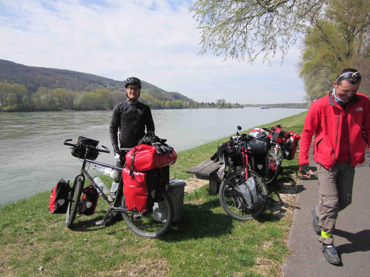 Wir treffen unseren ersten Reiseraler - Ralf aus Leipzig Er will auch nach Asien