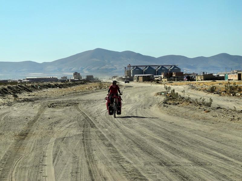 In Bolivien sind auch viele Fernstraßen nicht asphaltiert