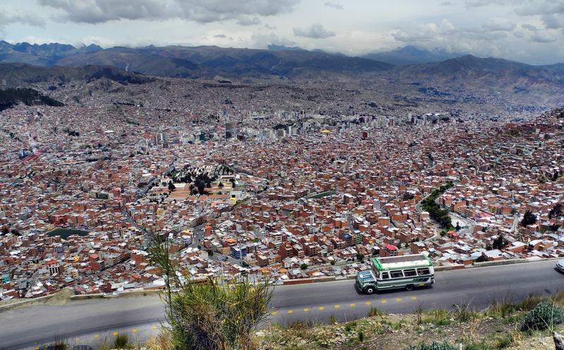 Unglaublich - Wir blicken nach La Paz hinab
