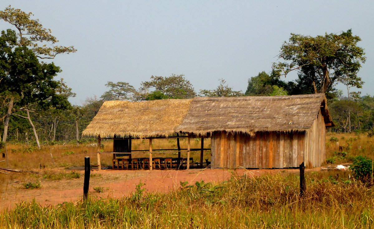 Typische Dorfschule