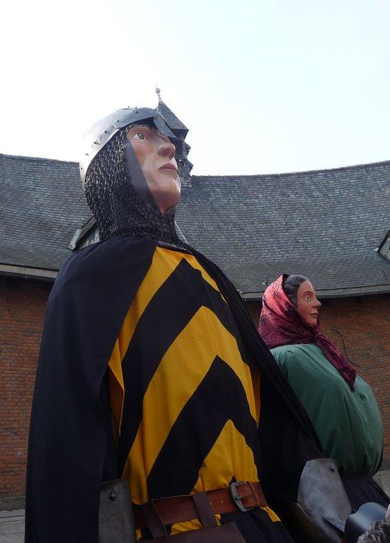 ATH Fière allure le Baudouin IV qui contemple sa tour âgée de plus de huit siècles