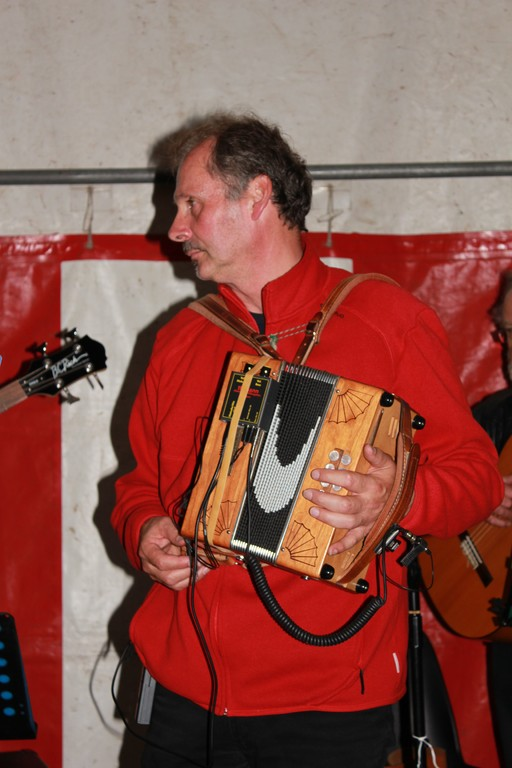 Yves à l'accordéon