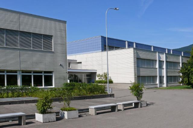 Kreisschule Mittelgösgen aus Südosten
