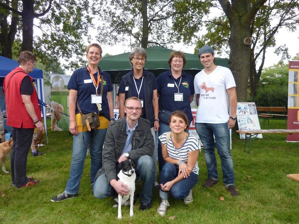 DogWalk 2014  - Nils Schmidt, Simone Sombecki, Artem Sergienko und wir    Foto Oetken