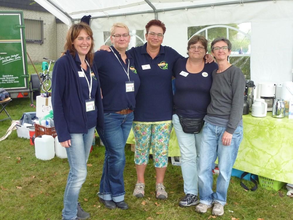 DogWalk 2014  - Mirijam, Anja, Hilde, Margarete und Hilde - Foto Oetken