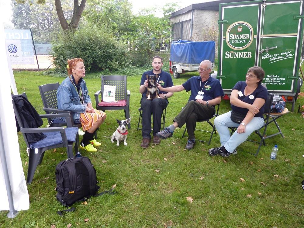 DogWalk 2014  - Beate, René, Helmut und Margarete - Foto Oetken