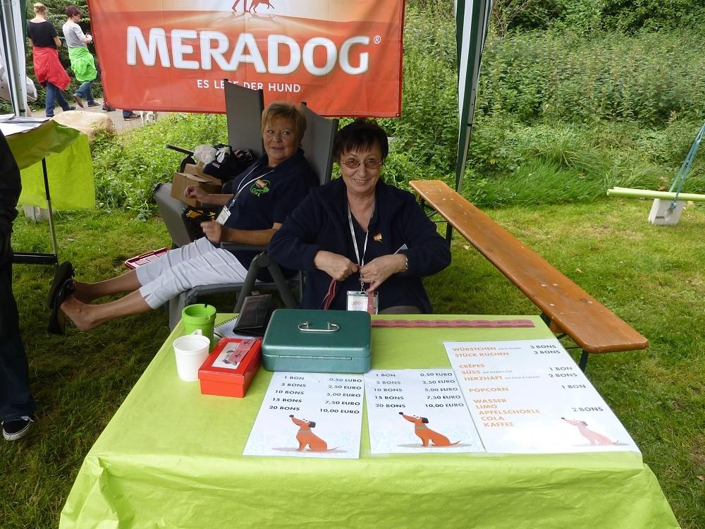 DogWalk 2014  - Irene und Renate - Foto Oetken