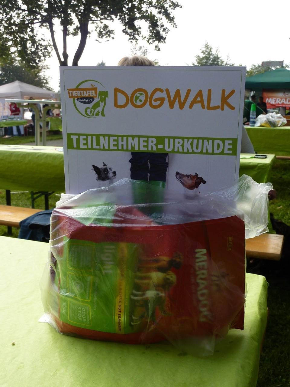DogWalk 2014  -Dankeschön an die Teilnehmer - Foto Oetken