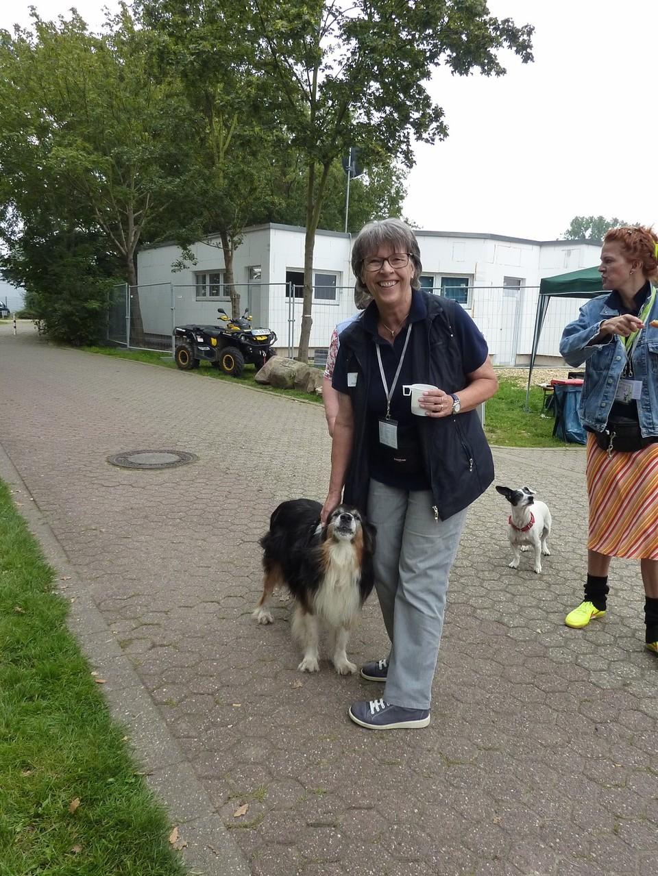 DogWalk 2014  - Birgit mit Yassu - Foto Oetken