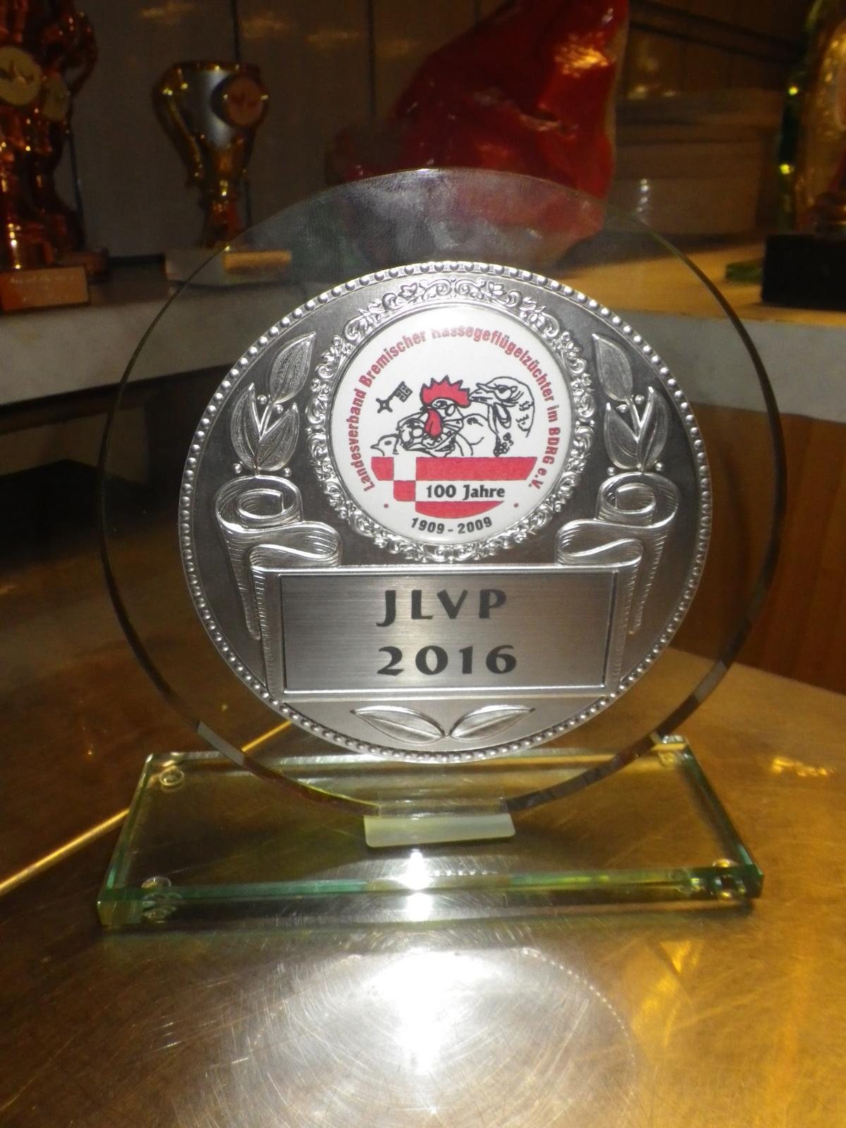 Am Sonntag um 17:00 Uhr findet wie immer die Preisverleihung statt - Unser 1. Vorsitzender P. Wicknig und die Ortsvorsteherin von Hagen, G. Schwertfeger vergeben die Pokale und...