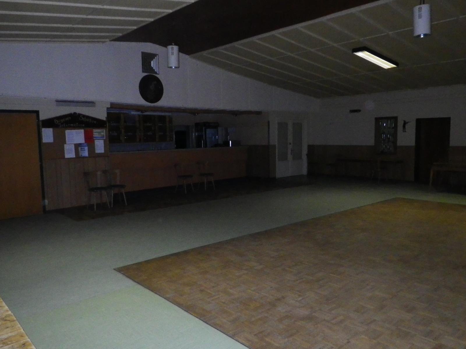 So sieht es aus, wenn einige Tage vor der Schau die ersten Helfer die Halle betreten.