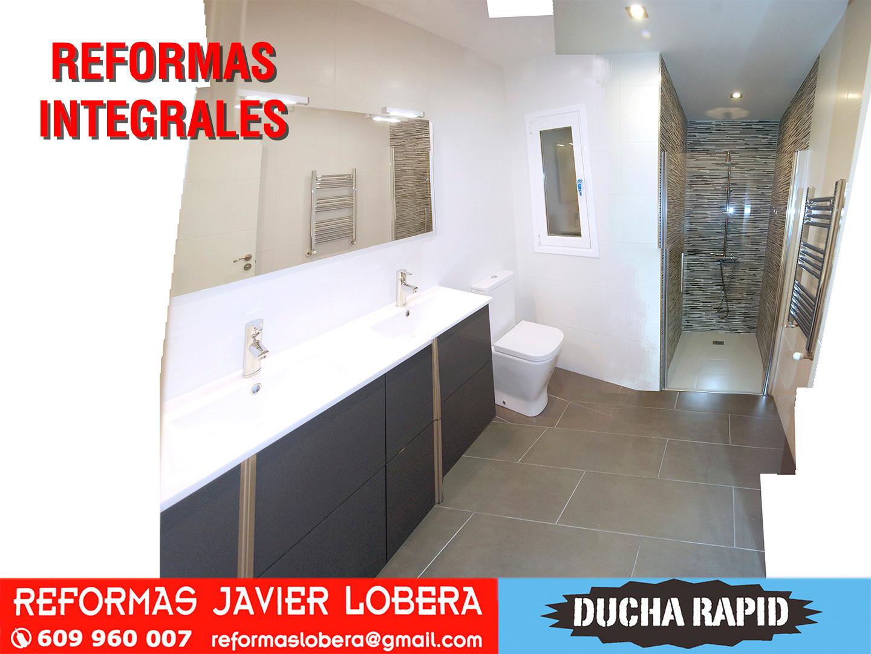 reforma integral, baños¡ con lavabo doble y plato de ducha a rás de suelo