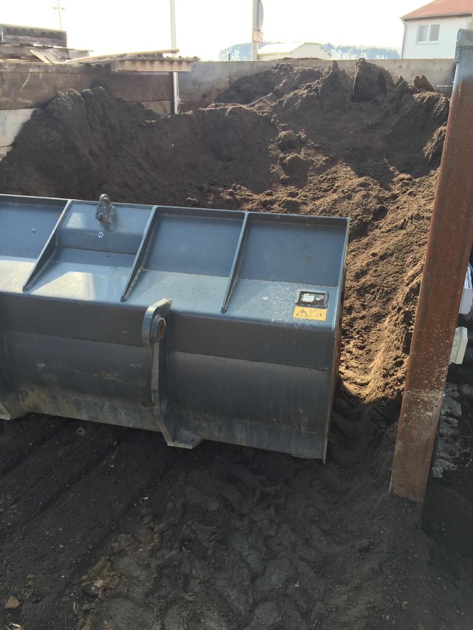 Kompost-Oberboden unkrautfrei
