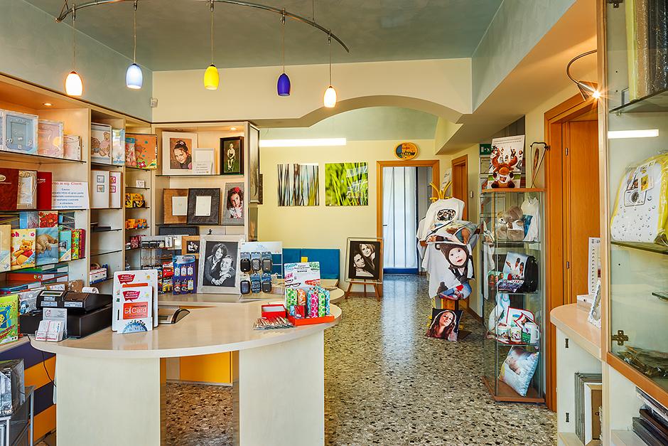 Negozio di articoli fotografici - Studio fotografico - Udine - San Giorgio di Nogaro