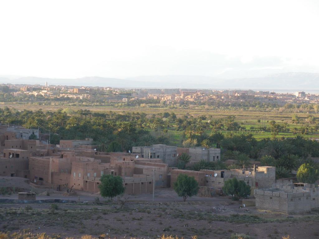 Ouarzazate à l'horizon