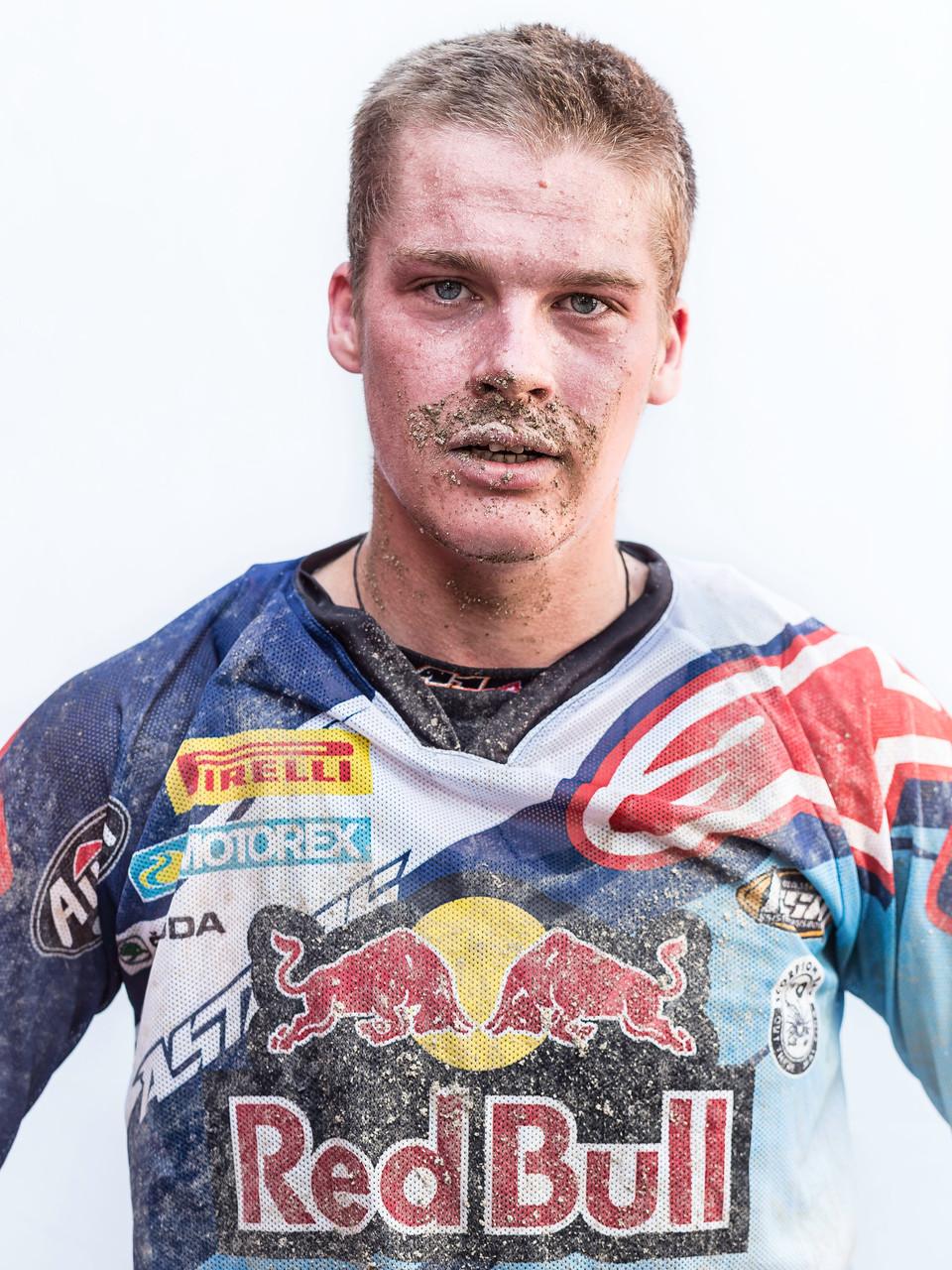 MX2 Paul Jonass