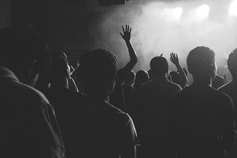 Comment survivre dans un mouvement de foule