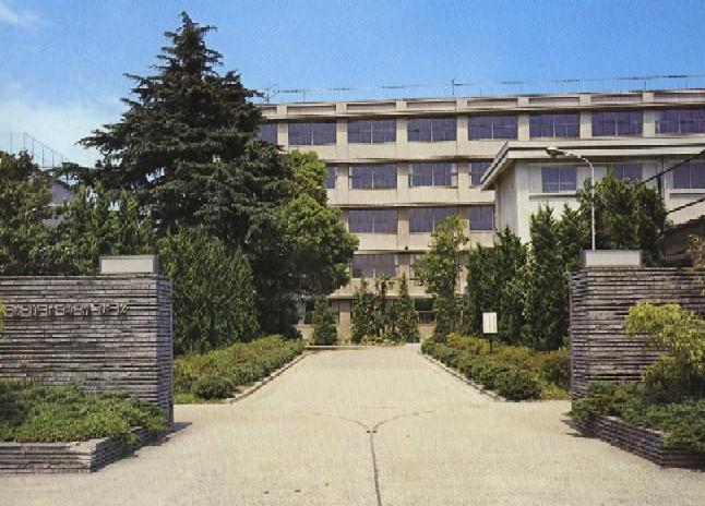 1976年当時の旧校舎