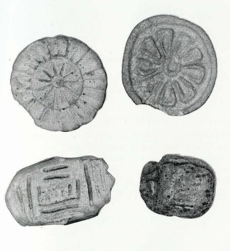 Botones de la antigüedad e cerámica y piedra