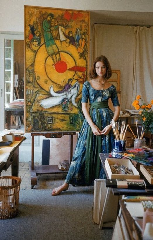 Vestido McCardell confeccionado con tela diseñada por Marc Chagall para LIFE Magazine.