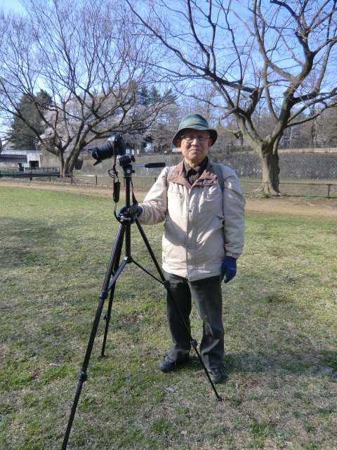 湧水の近くで写真を撮っていた方(早瀬さん)とお話しをさせていただいた。なんと横浜を始発で出ていらっしゃったとのこと。凄い!