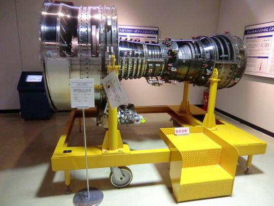 FJR710ターボファンジェットエンジン。短距離離着陸(STOL)実験機「飛鳥」に搭載された、日本で初めて耐空性基準を満たしたエンジン