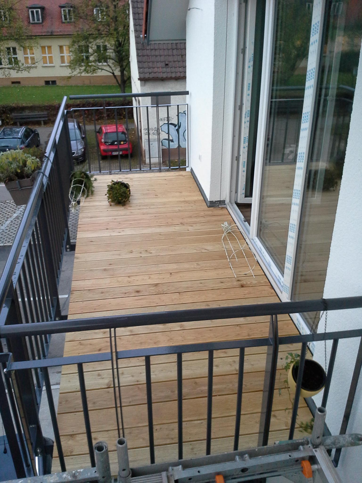 Fertigstellung, Balkon, Mehrfamilienhaus in Winnenden