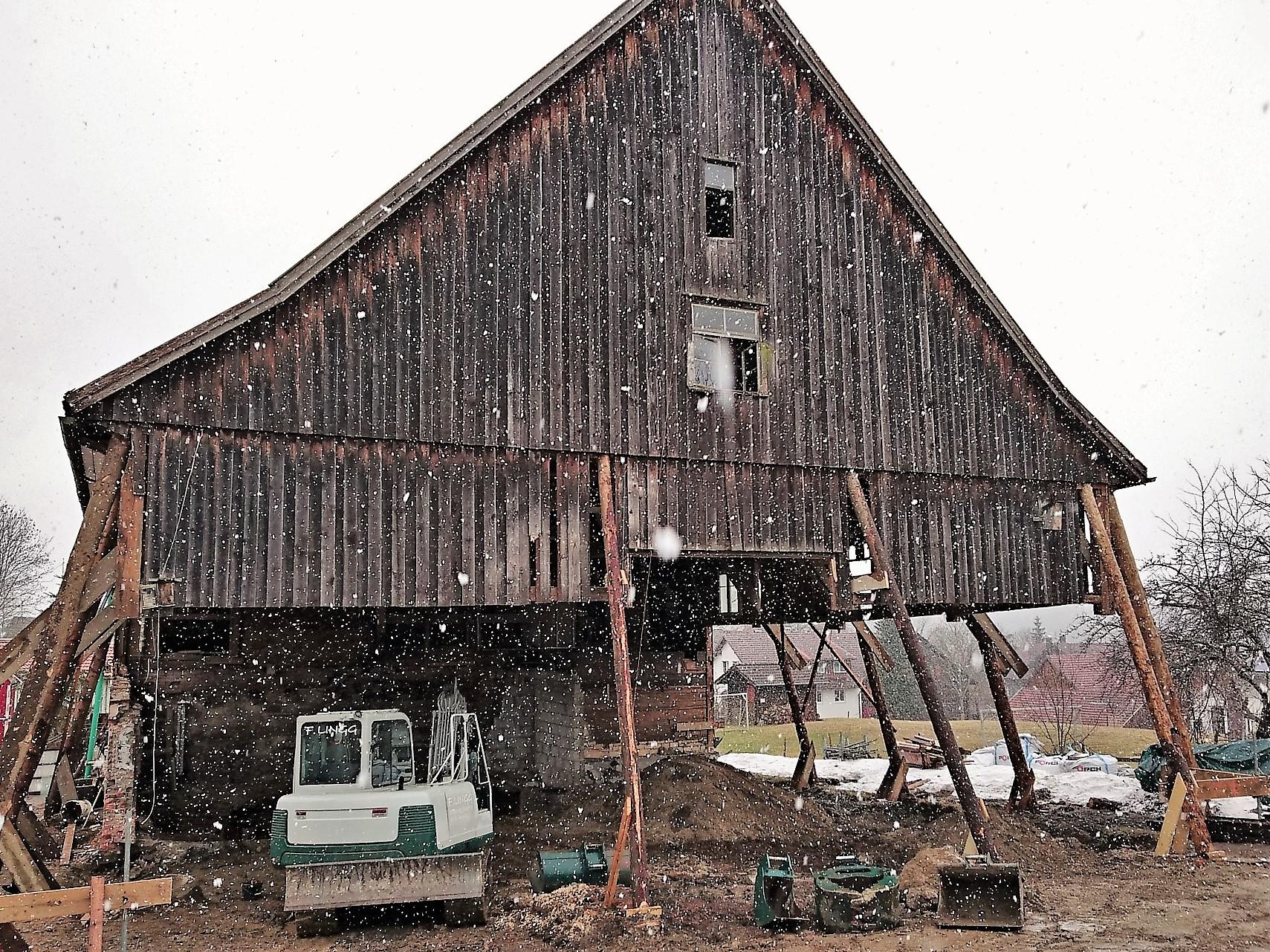 Teilabbruch und Bauphase, Sanierung Bauernhof in Grünenbach