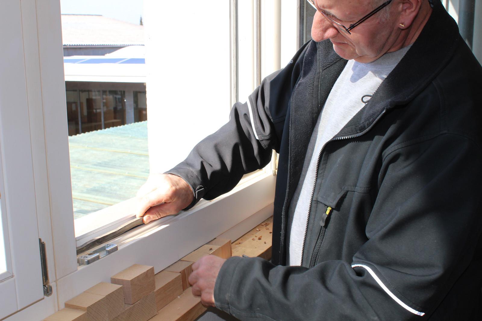 Erneuerung von Fenster-Dichtungen.