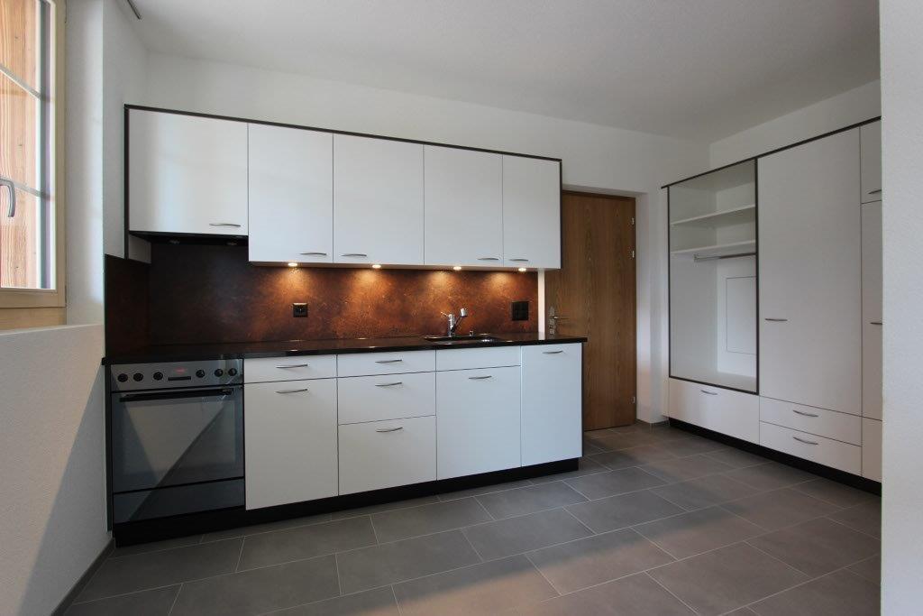 MFH Signau, Einbauküche und Garderobe