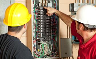 Électricien et entrée électrique