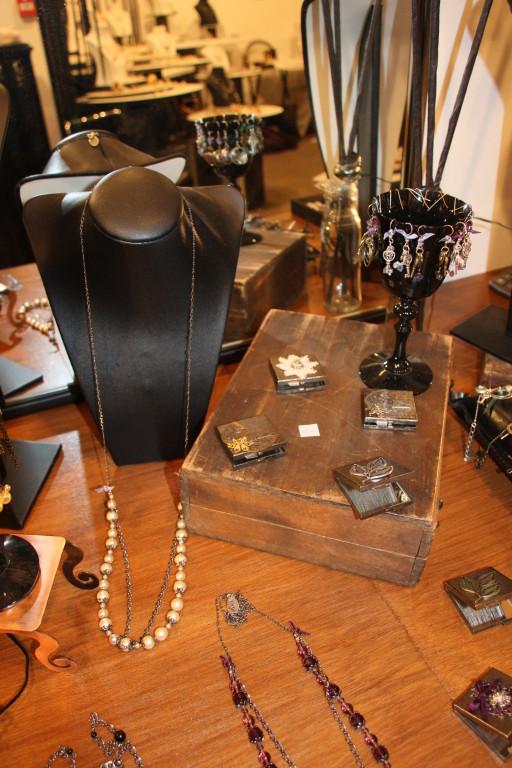 Les bijoux de Sans Logix