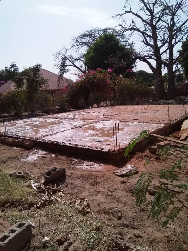 Das Fundament ist fertig gegossen.