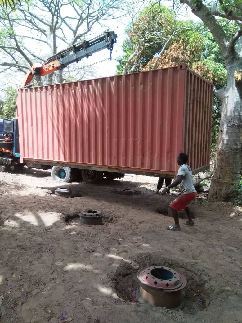 Der Container bekommt einen neuen Standort.